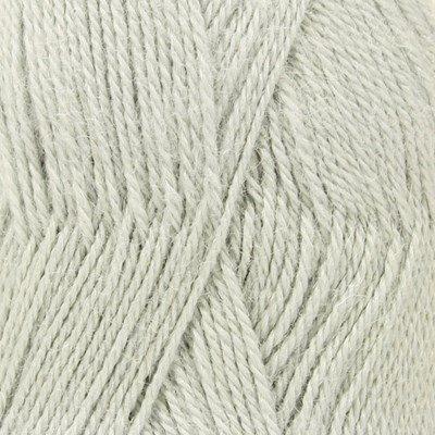 DROPS Alpaca 7120 licht grijs/groen op=op uit collectie