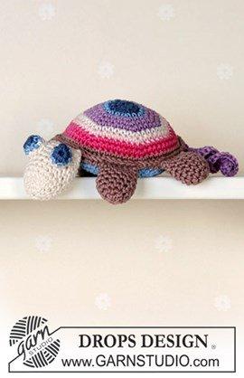 Kleurrijke schildpad van Muskat gehaakt.